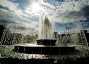 平和資料館前の噴水