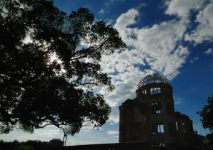 8月4日の原爆ドーム