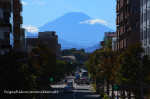 台風一過で富士見える